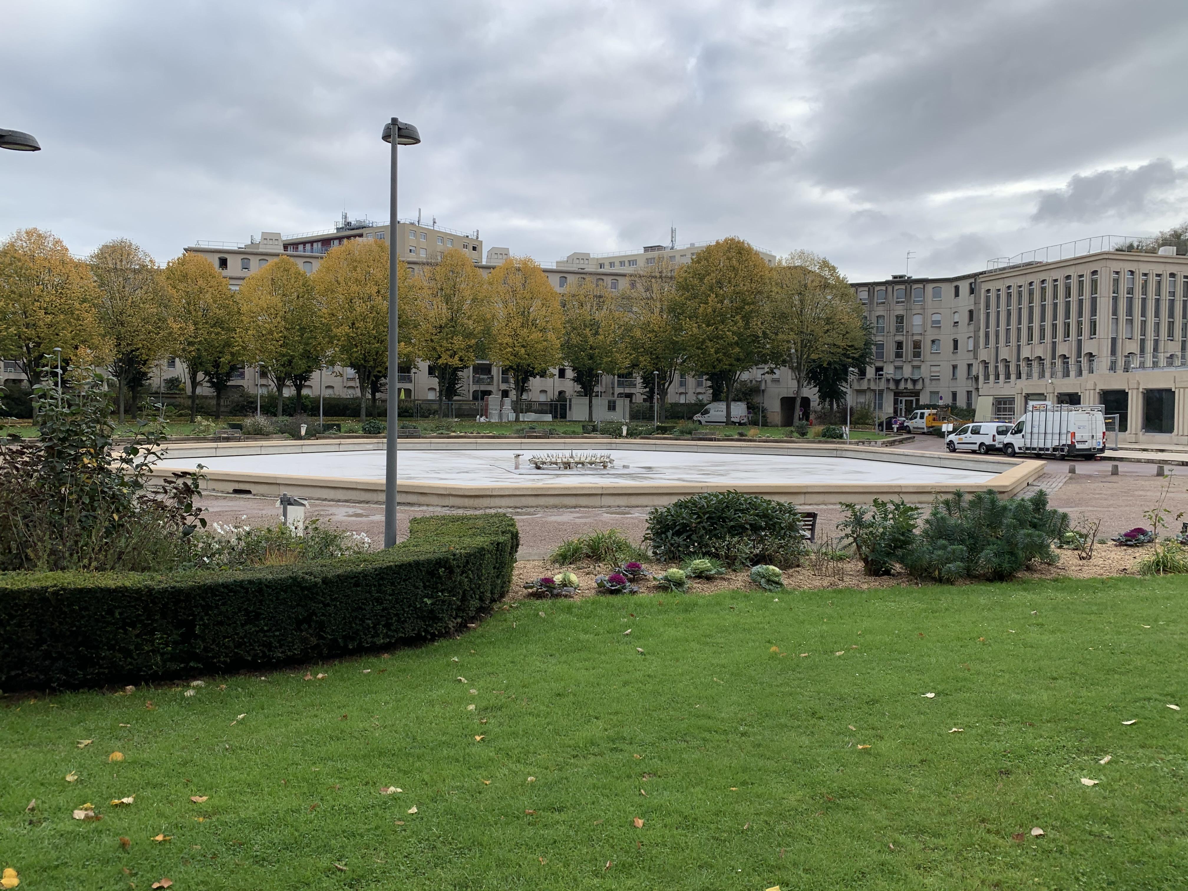 ROUEN Esplanade du Champ de Mars Proche CHU et Place Saint Marc